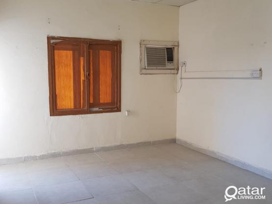 spacious 1 bedroom old flat for rent in bin omran including W\E