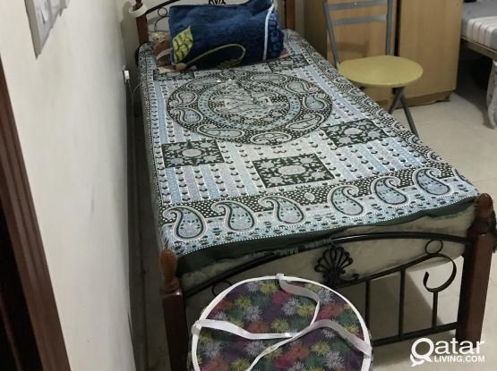 1 bed space available near old Ghanim (behind Retail mart), 700 riyal per month (including electricity and WiFi)