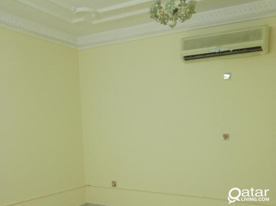 Rooms available for bachelors in Fereej abdul aziz