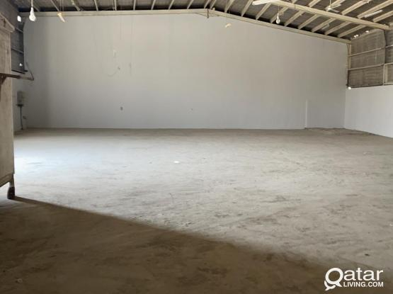 450 SQUARE METER STORE WITH 6 ROOMS CAMP FOR RENT IN INDUSTRIAL AREA