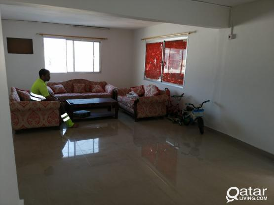 One Room available for executive bachelors in 2 BHK Flat In Najma(oct month free )