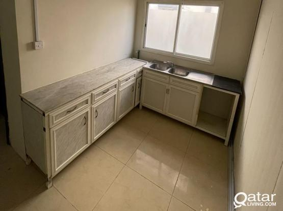 2 BHK AVAILABLE IN MAMOURA FOR FAMILY