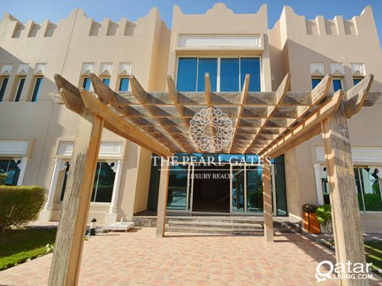 Sprawling Villa | 4 BR + Maid | Luxurious