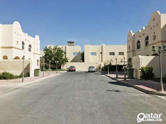 Furnished 4 BHK compound villa at Ainkhalid