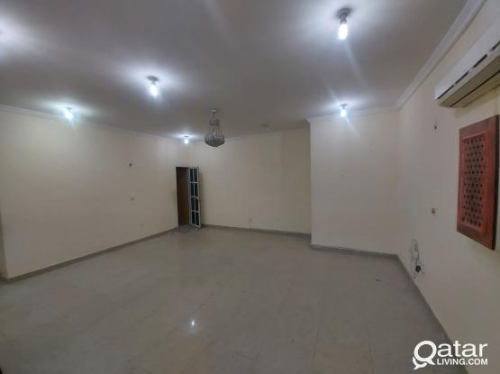 Big 2BHK Flat with Balcony For Family in Bin Omran Near Messila Lulu