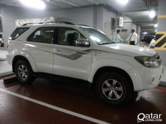 Toyota Fortuner 4.0  - Family Car (7 seater)