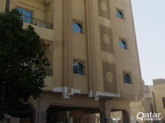 2 BHK IN NAJMA NEAR TOYOTA SIGNAL  FOR FAMILY/EX-BACHELORS WITH BALCONY