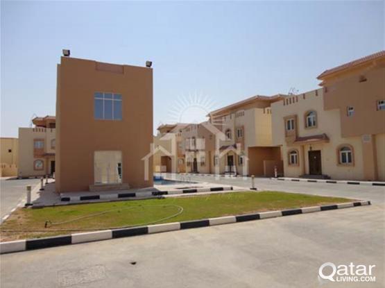 LIC 268_97084_Luxury European Style Fully Furnished 6 BHK Compound Villa @ Al Khor