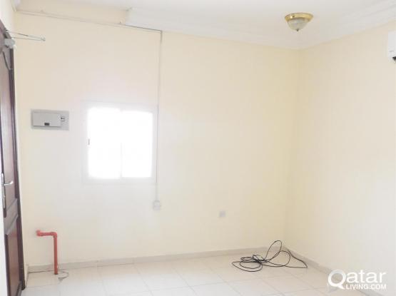 No Commission / No Deposit - Studio Flat Available in Madinat Khalifaa