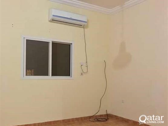 Nice 4 bhk l family villa in Abu hamour rent 7000