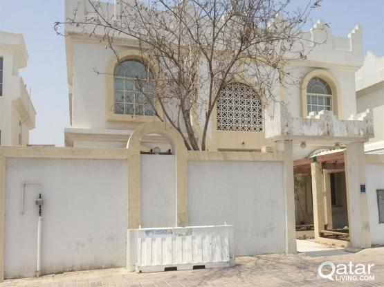 Commercial Villa Available for Rent on D-Ring road