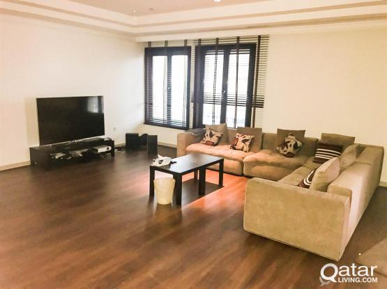 Fully-Furnished 2-Bedroom Flat in The Pearl