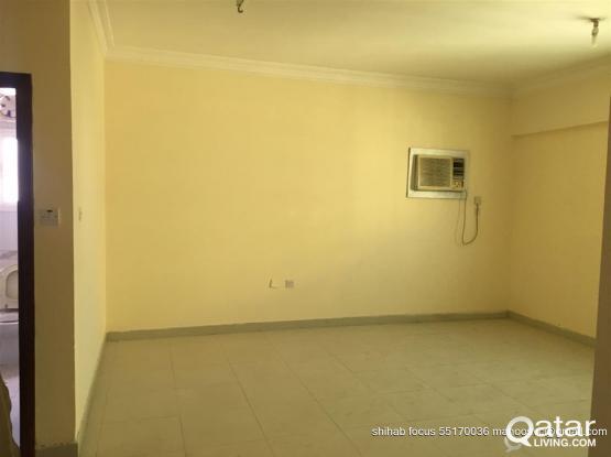 3 Bedroom  unfurnished flat rent in Umm ghuwalina for Bachelor