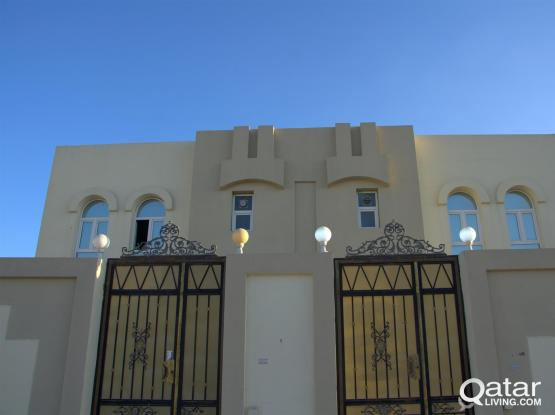 A nice compound villa located in Airport Road near parachute signal can accommodate Execut