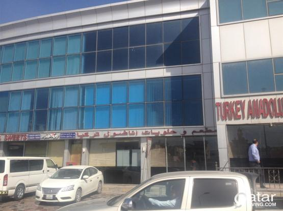 BIG OFFICE WITH 4 ROOMS, HALL RECEPTION KITCHEN AND PARKING AT PRIMIVE LOCATION OF OLD AIR