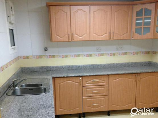 1 MONTH FREE SPECIOUSE UN FURNISHED 3 BHK APPARTMENT FOR RENT AT MANSOURA NEAR AL MEERA