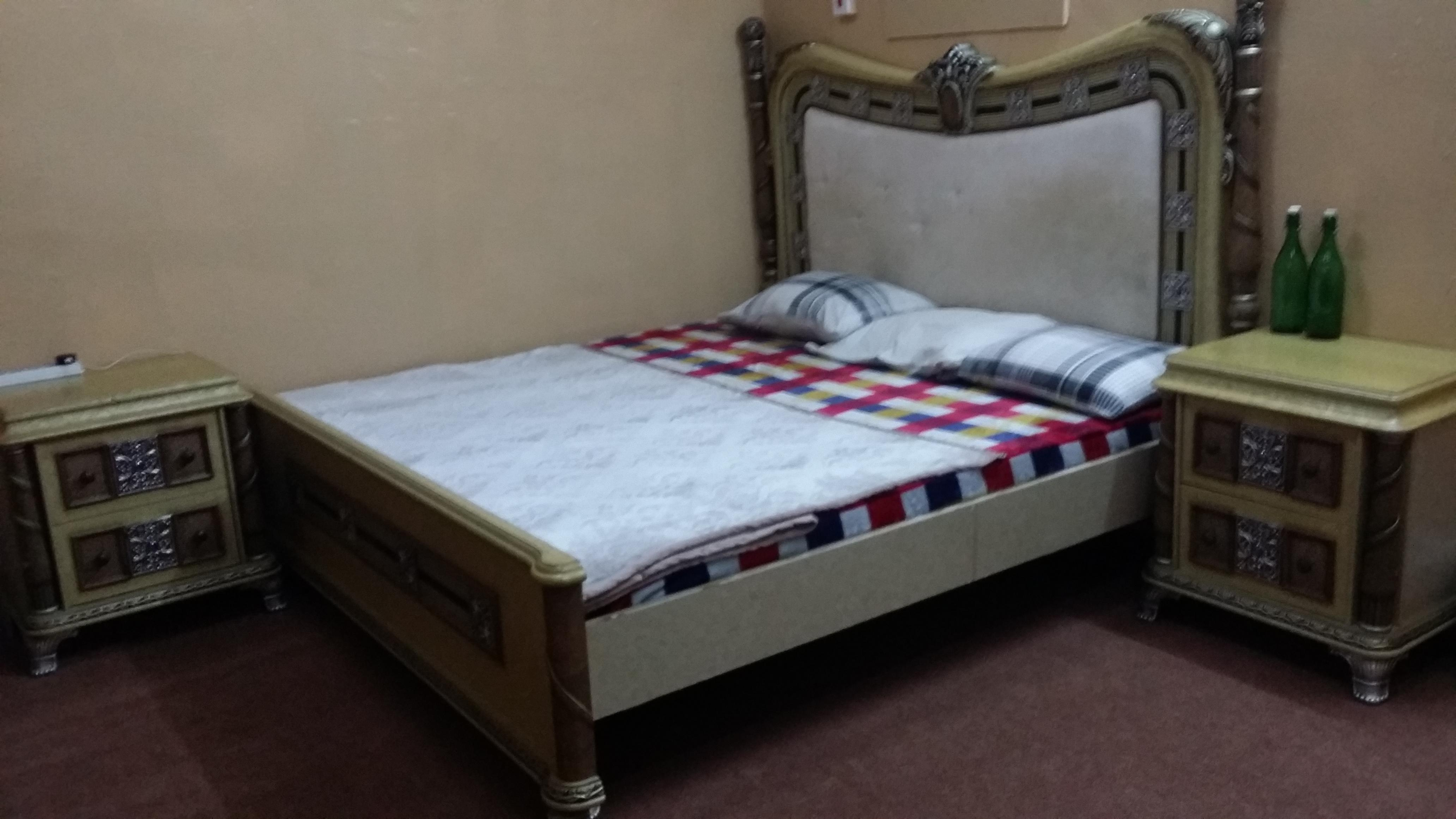FULLY FURNISHED ROOM FOR RENT. NOW AVAILABLE,