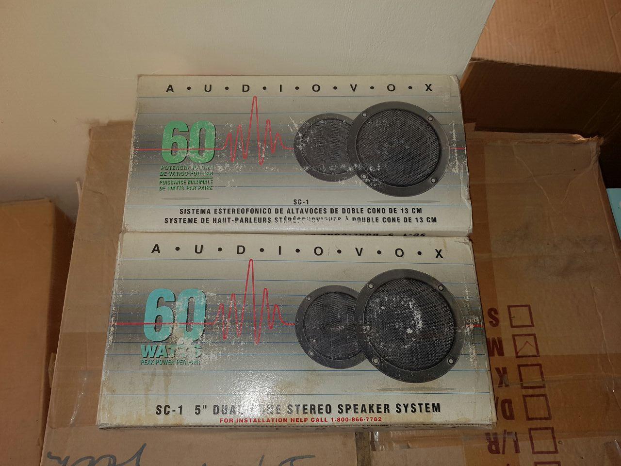 AUDIOVOX Car Speakers (2 pairs)