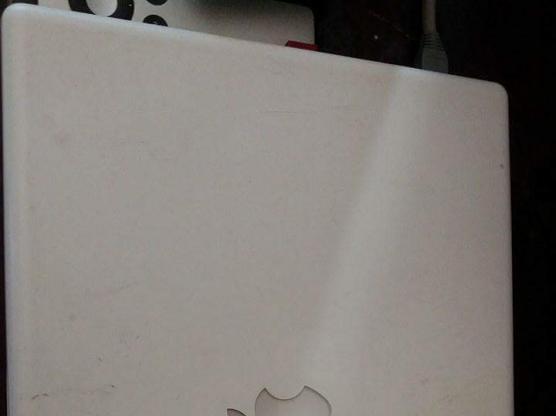 Selling laptop macbook