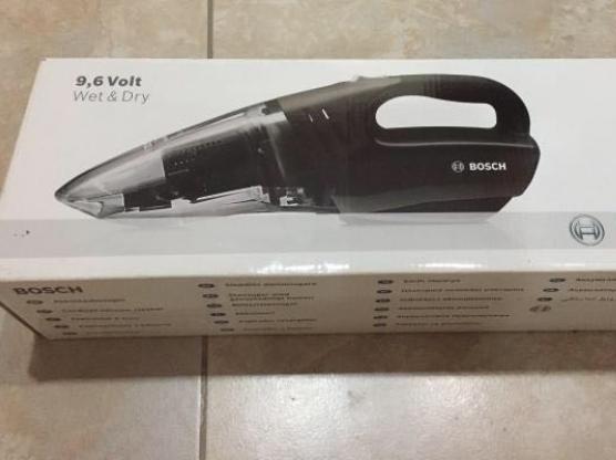 Bosch wet dry portable vacuum cleaner