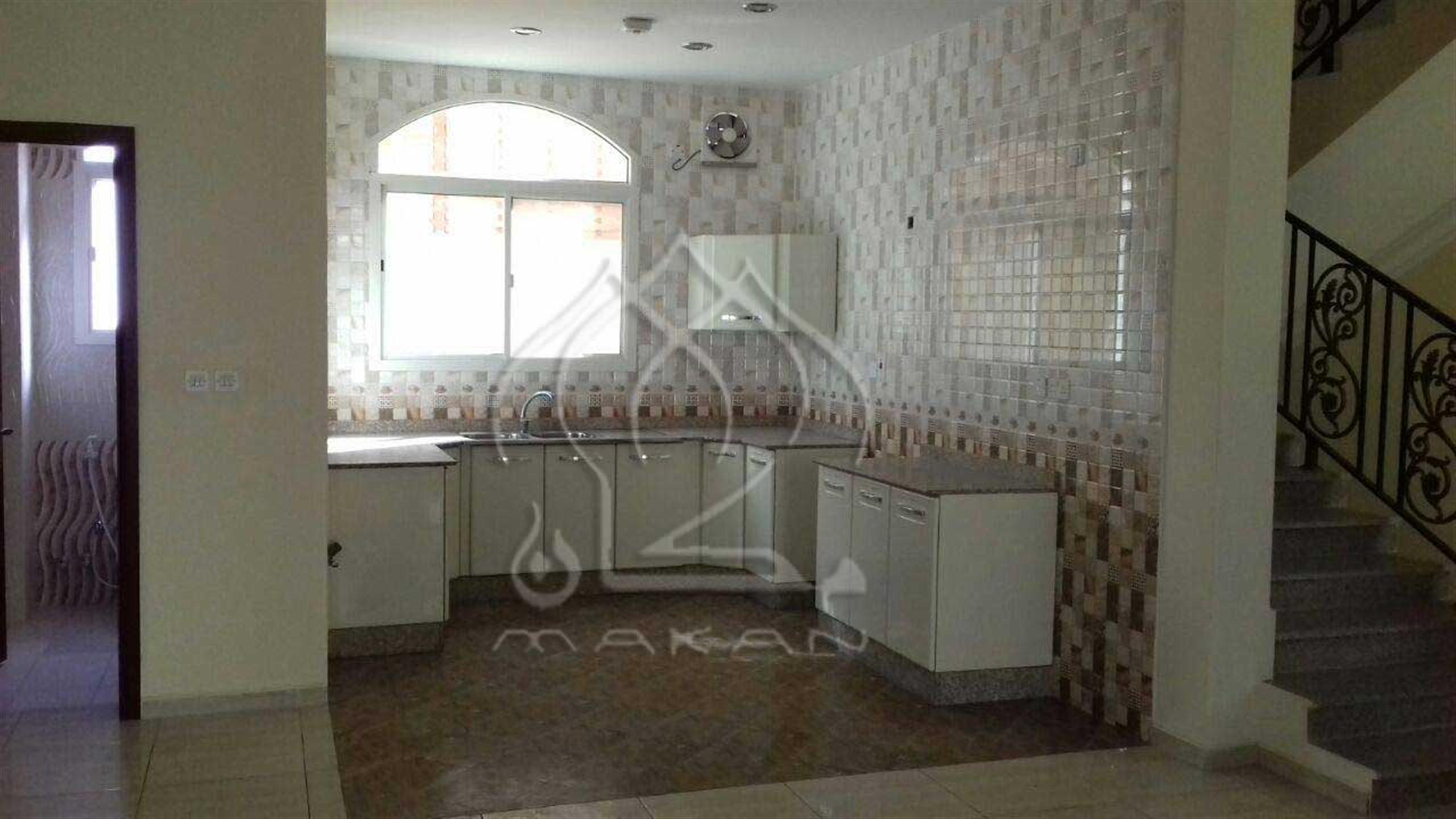 Spacious 5 Bedroom Villa For Rent in Umm Salal Ali