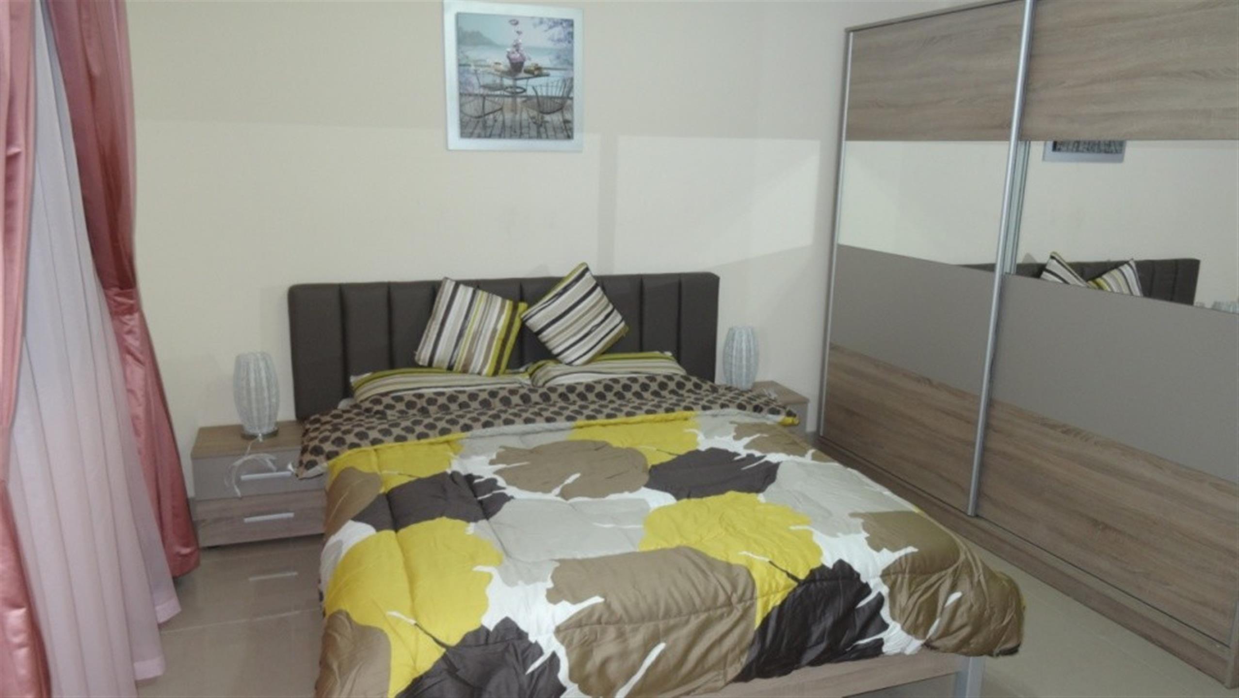 1 bedroom Fully Furnished in Umm Ghuwalina