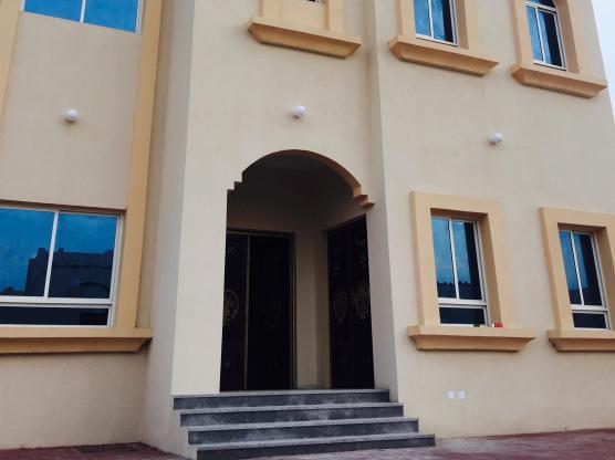new 9 bedrooms villa for rent at al khor for exe-s