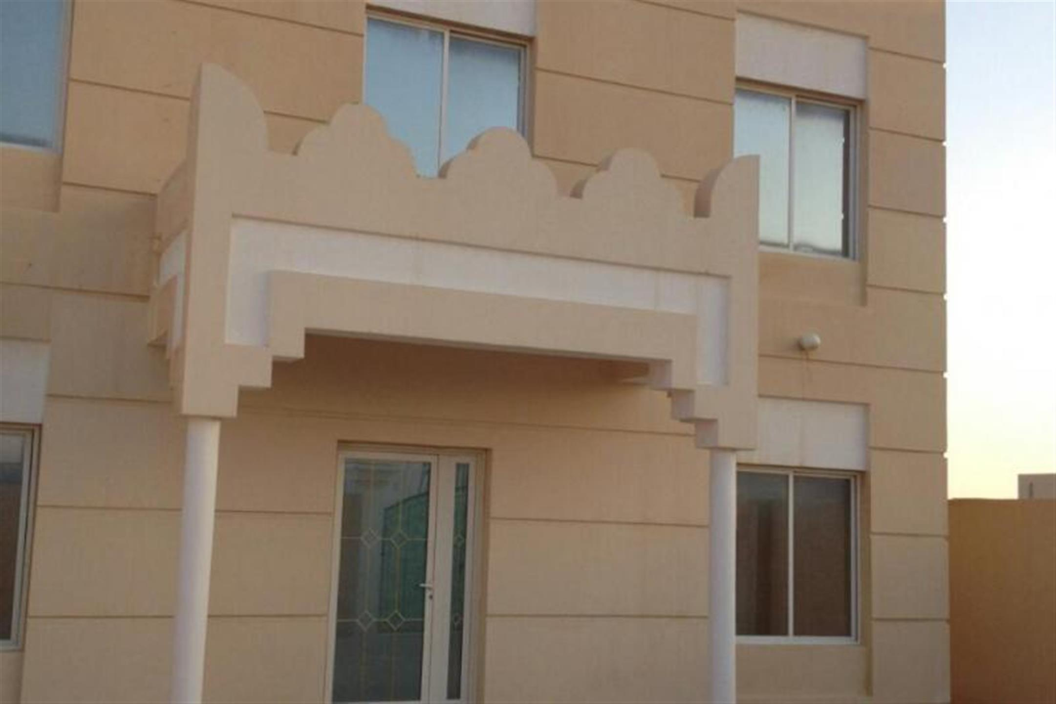 3 Villas With 9 Rooms For Staffs/Labours Alkhor