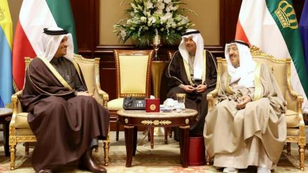 Qatar's FM holds talks with Kuwaiti leaders