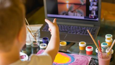 How to reduce screen time for children
