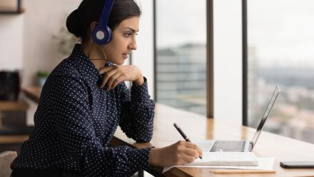 How to stay motivated during online classes