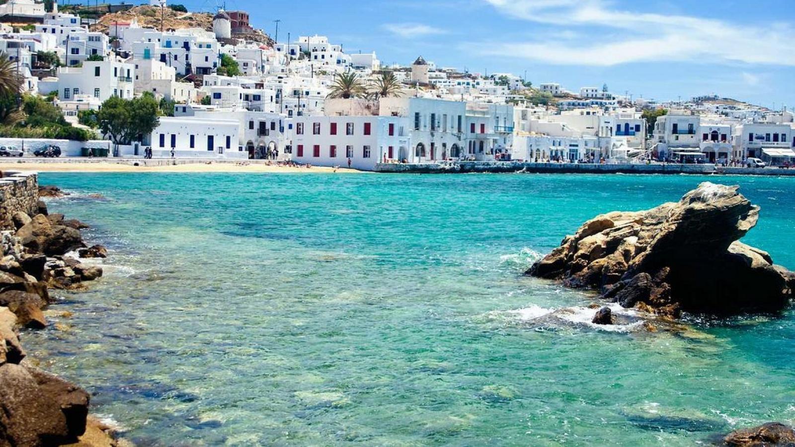 Qatar Airways to resume flights to Mykonos, Greece