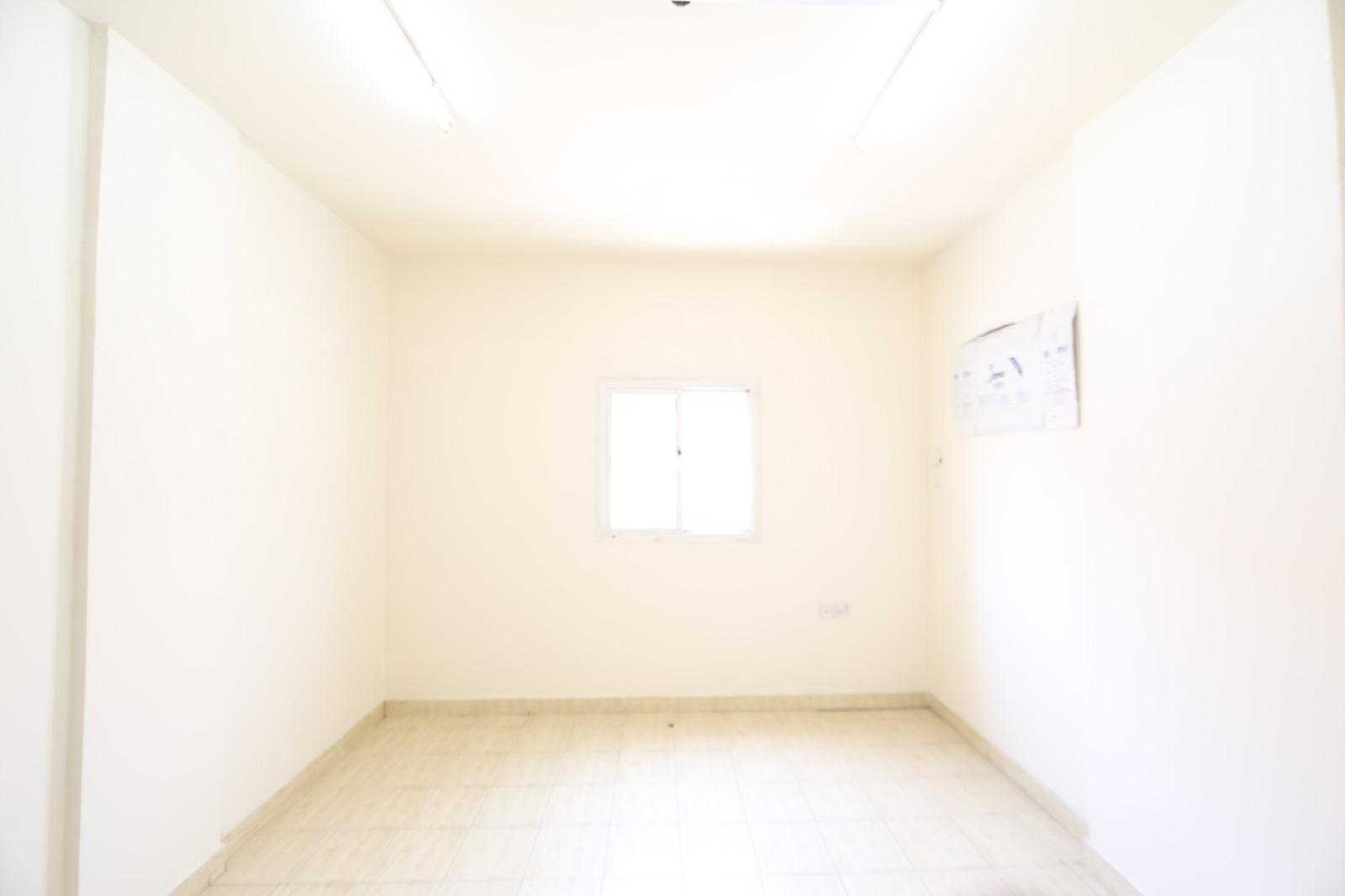OFFICE AVAILABLE.NO COMMISSION.  STUDIO ROOM IN SA