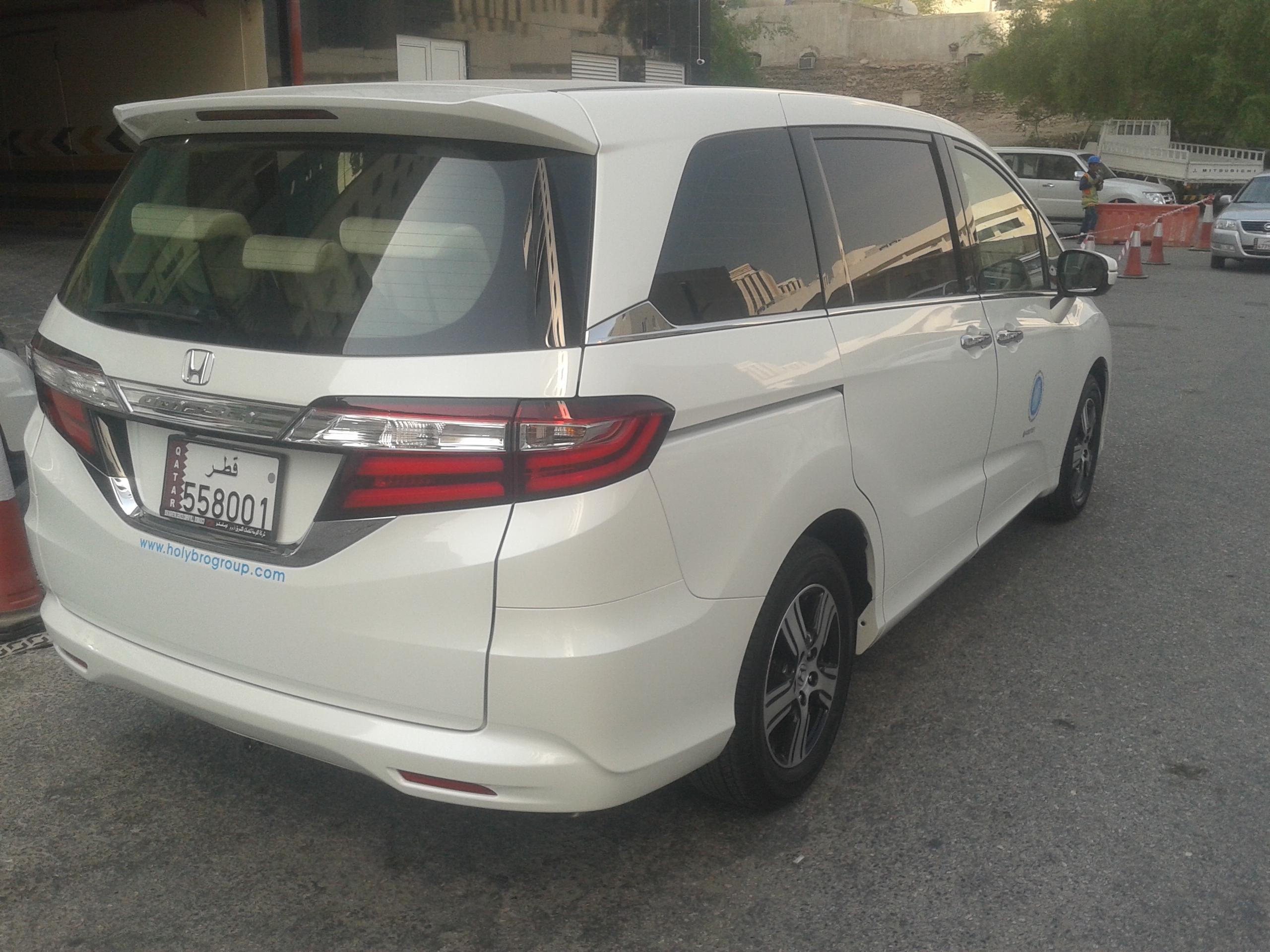 Big Limousine 7 SEATER HONDA Taxi Car Rental ODYSSEY VAN