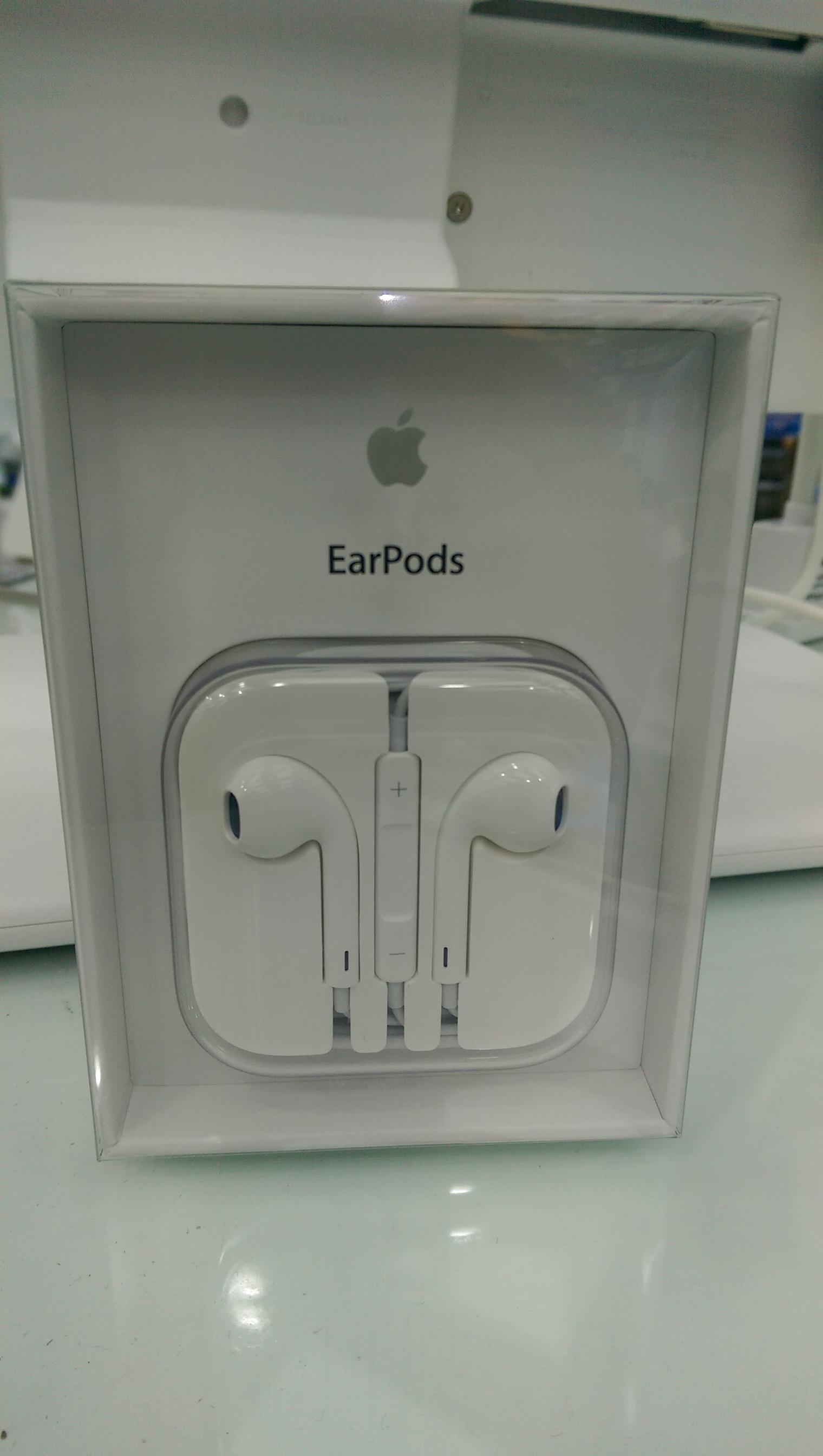 Brand New Original iPhone cables & headphones