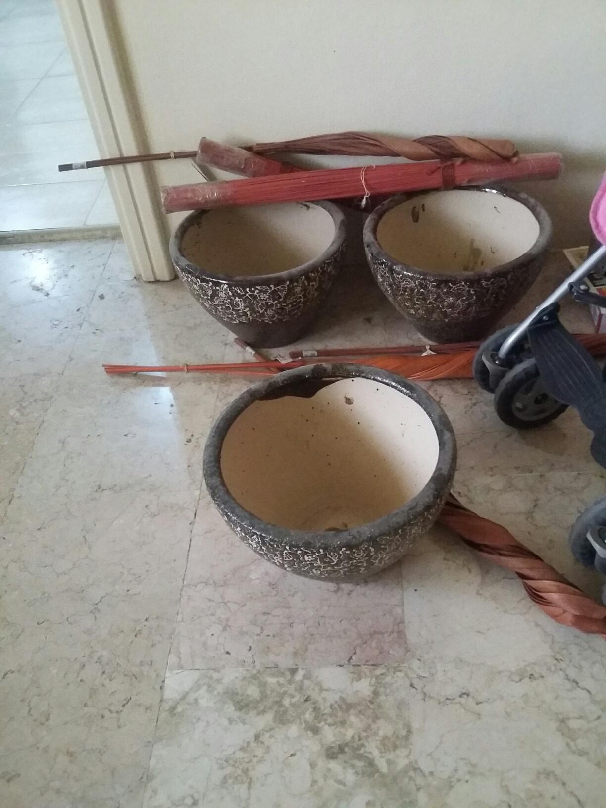 4 large plant pots