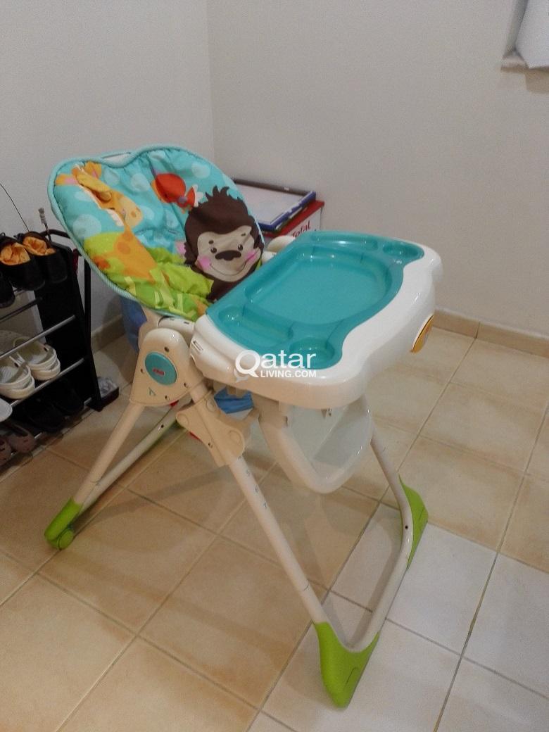 Fisher price Baby chair + plastic baby bath tub | Qatar Living