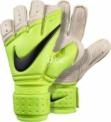 bd05404bb007 NIKE PREMIER SGT Goal Keeper Gloves (8 Size)   Qatar Living