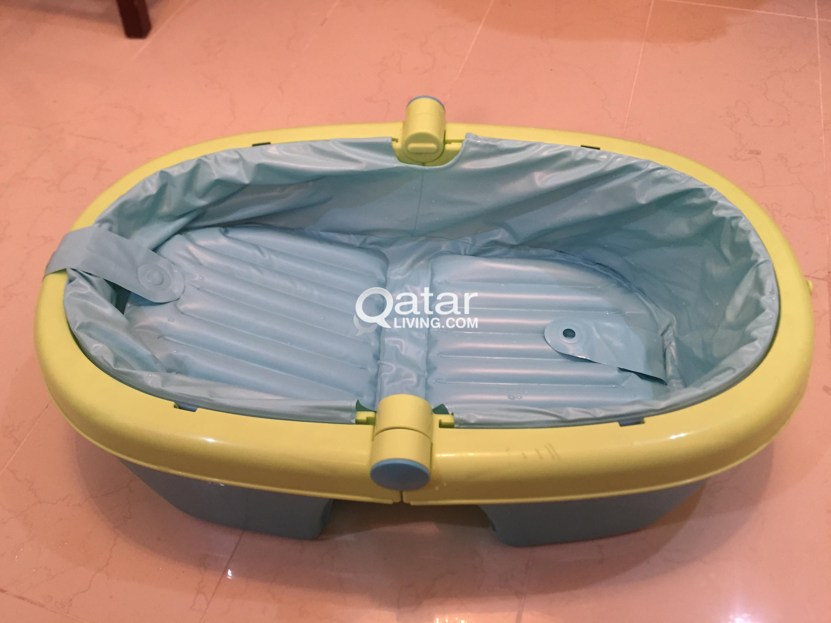 Comfortable Baby Bath Tub - with Air filled Tubes | Qatar Living