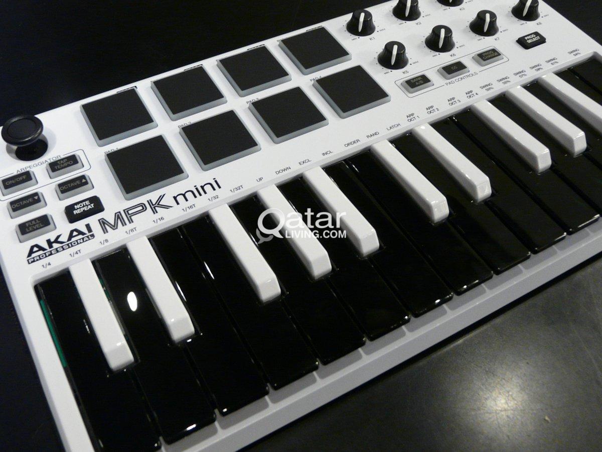 Akai Professional MPK Mini 2 WHITE Limited Edition | Qatar Living