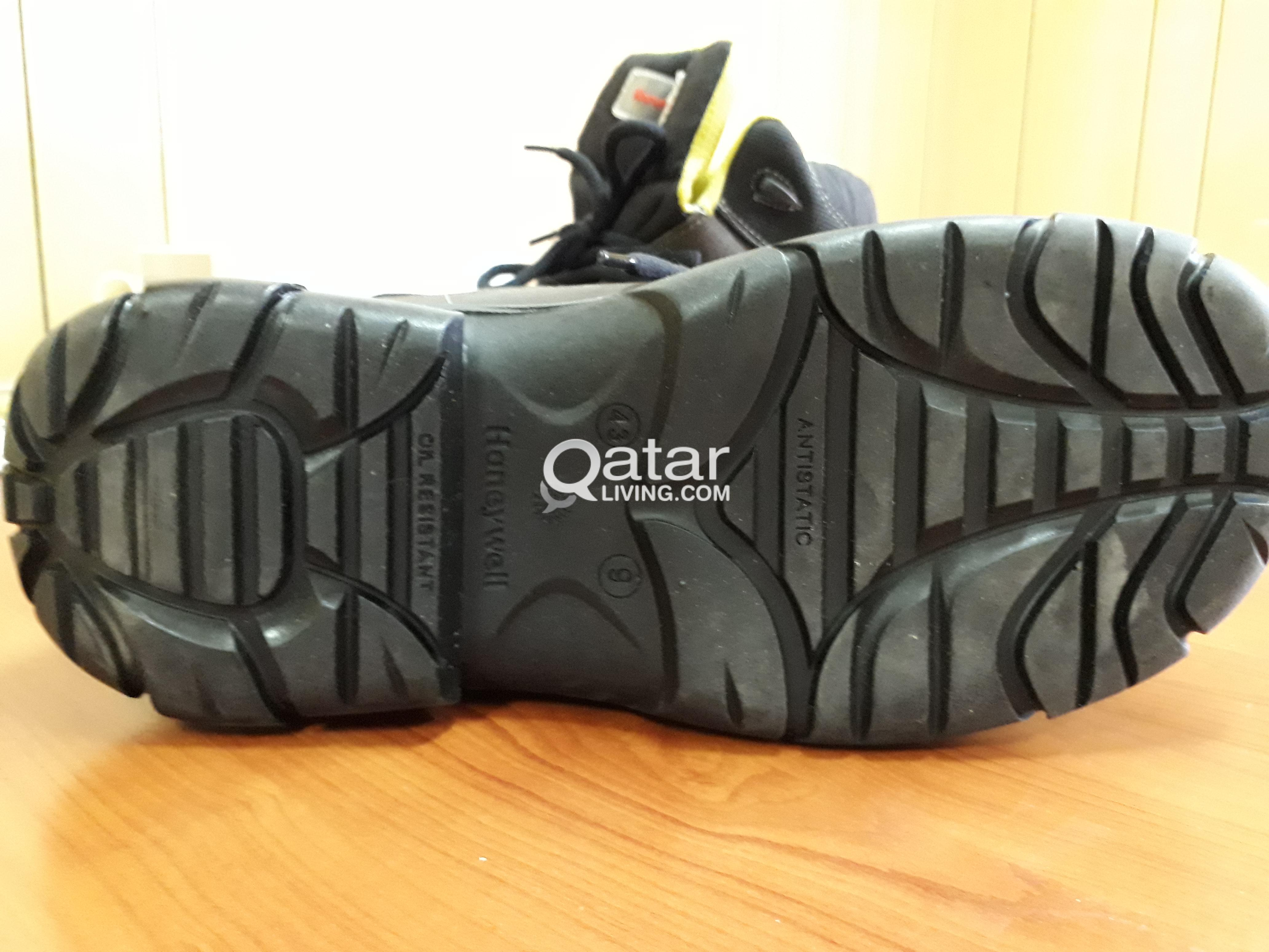 HONEYWELL SAFETY SHOES 43 SIZE NEW 100QR 70369039 | Qatar Living