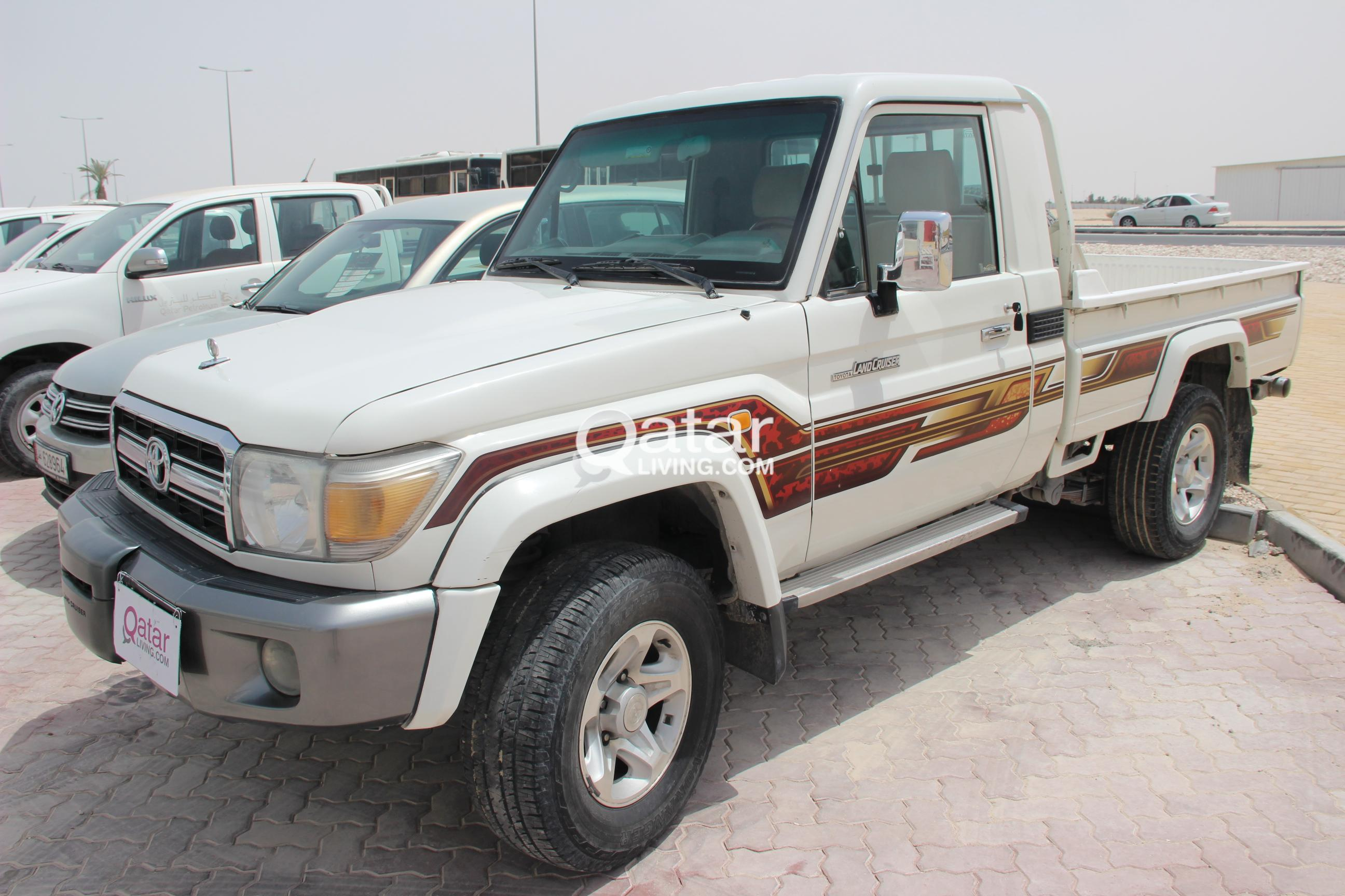 toyota land cruiser lx pickup 2012 qatar living. Black Bedroom Furniture Sets. Home Design Ideas