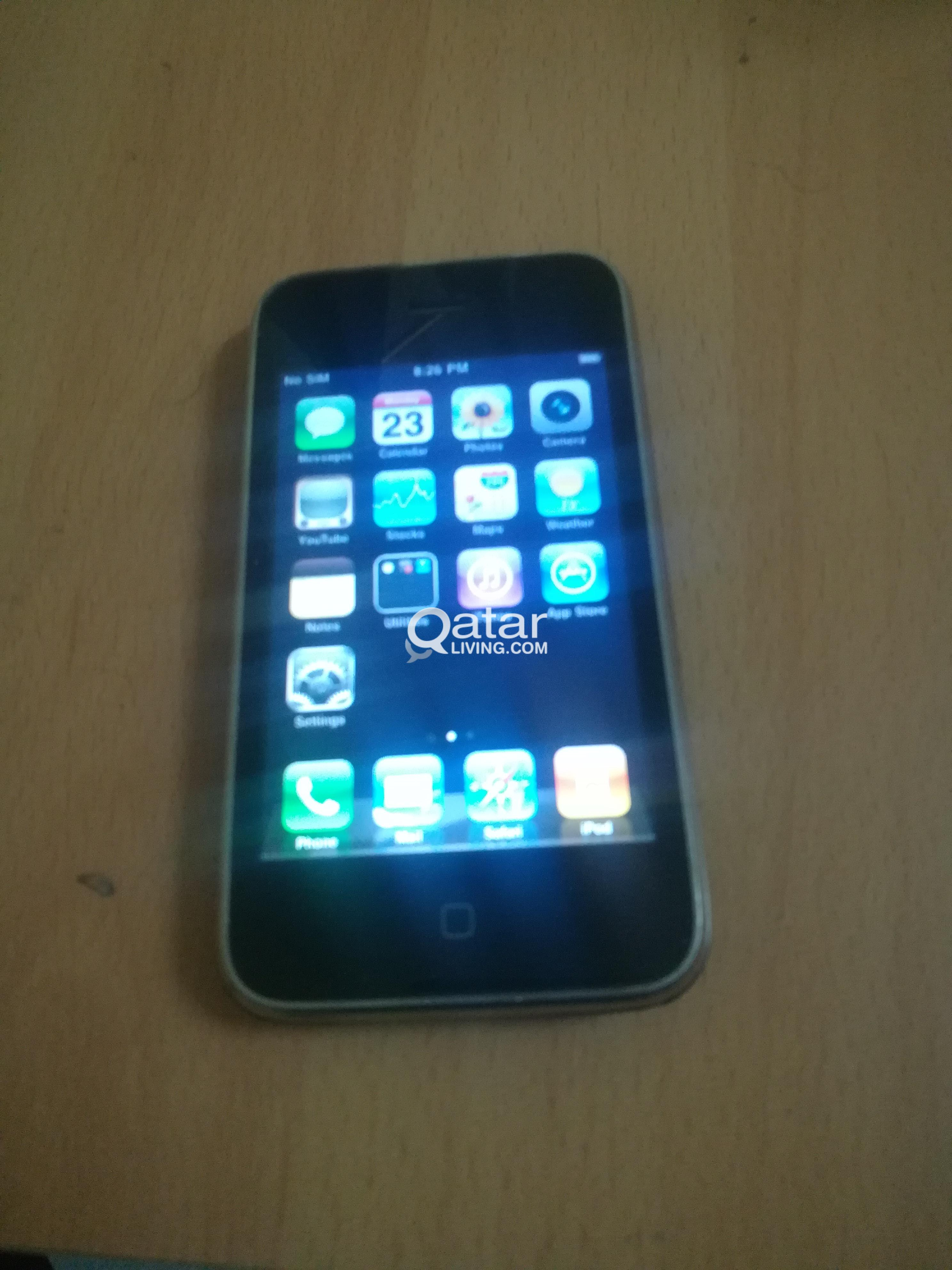 swap sale I phone 3g  8gb black with charger
