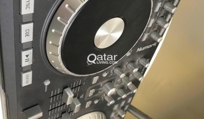 Numark Mixtrack Pro Dj controller/audio interface | Qatar Living