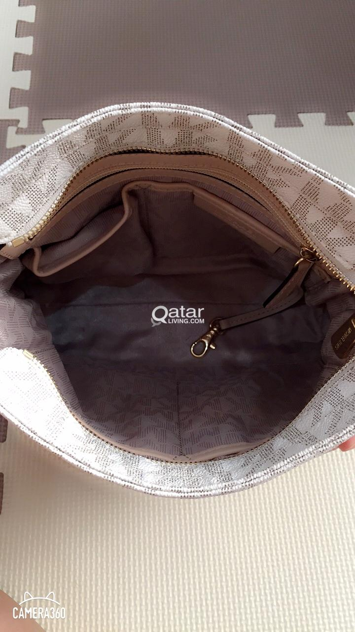 0a7e9fa9f9 Authentic MK Michael Kors Crossbody Bag
