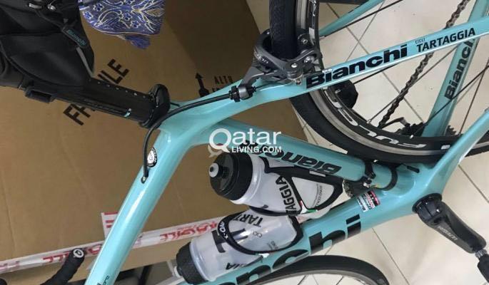 Bianchi road bike, full carbon, 2018, 53cm urgent   Qatar Living