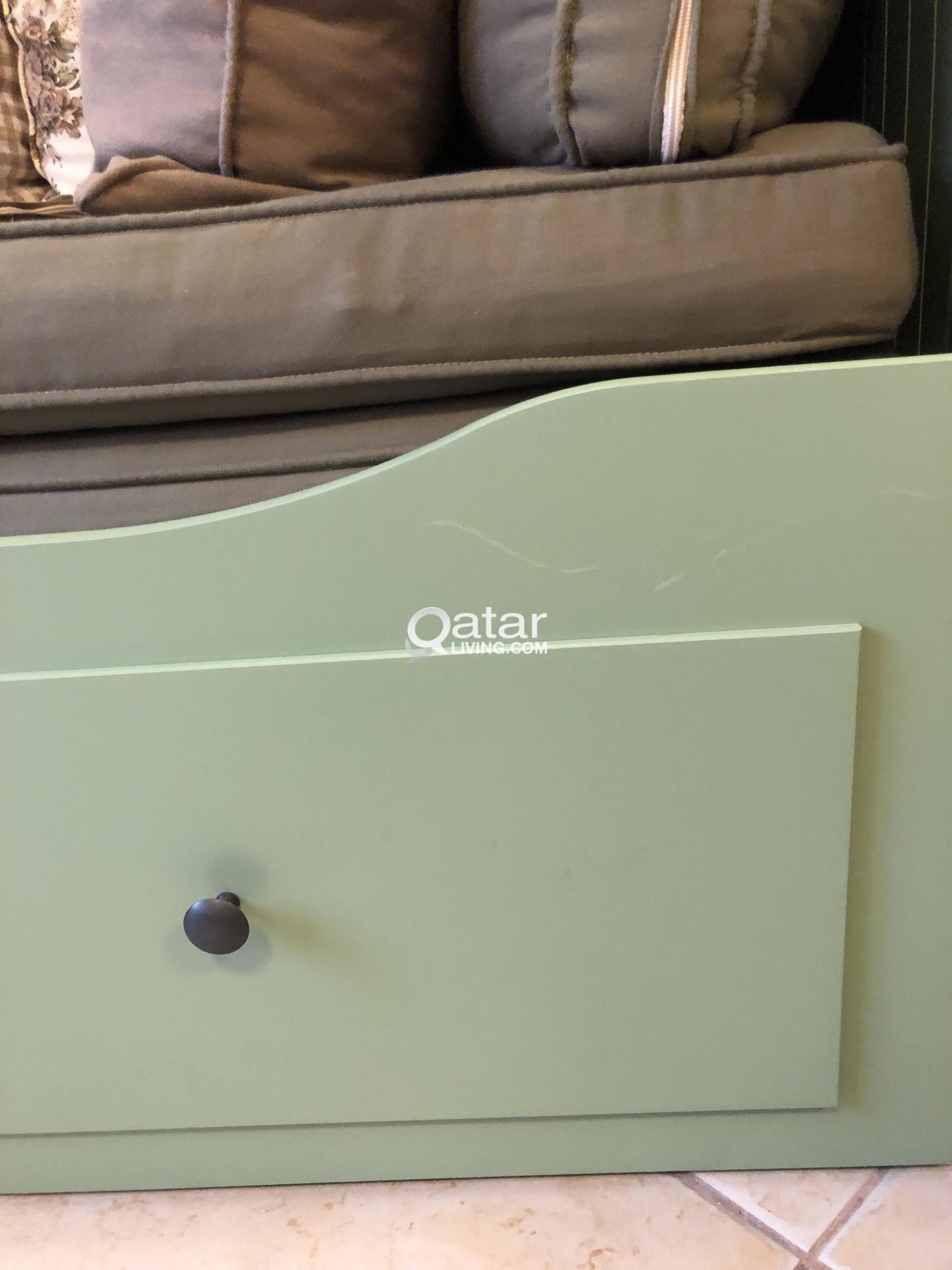Hemnes Bedbank Ikea.Ikea Hemnes Day Bed Green Qatar Living