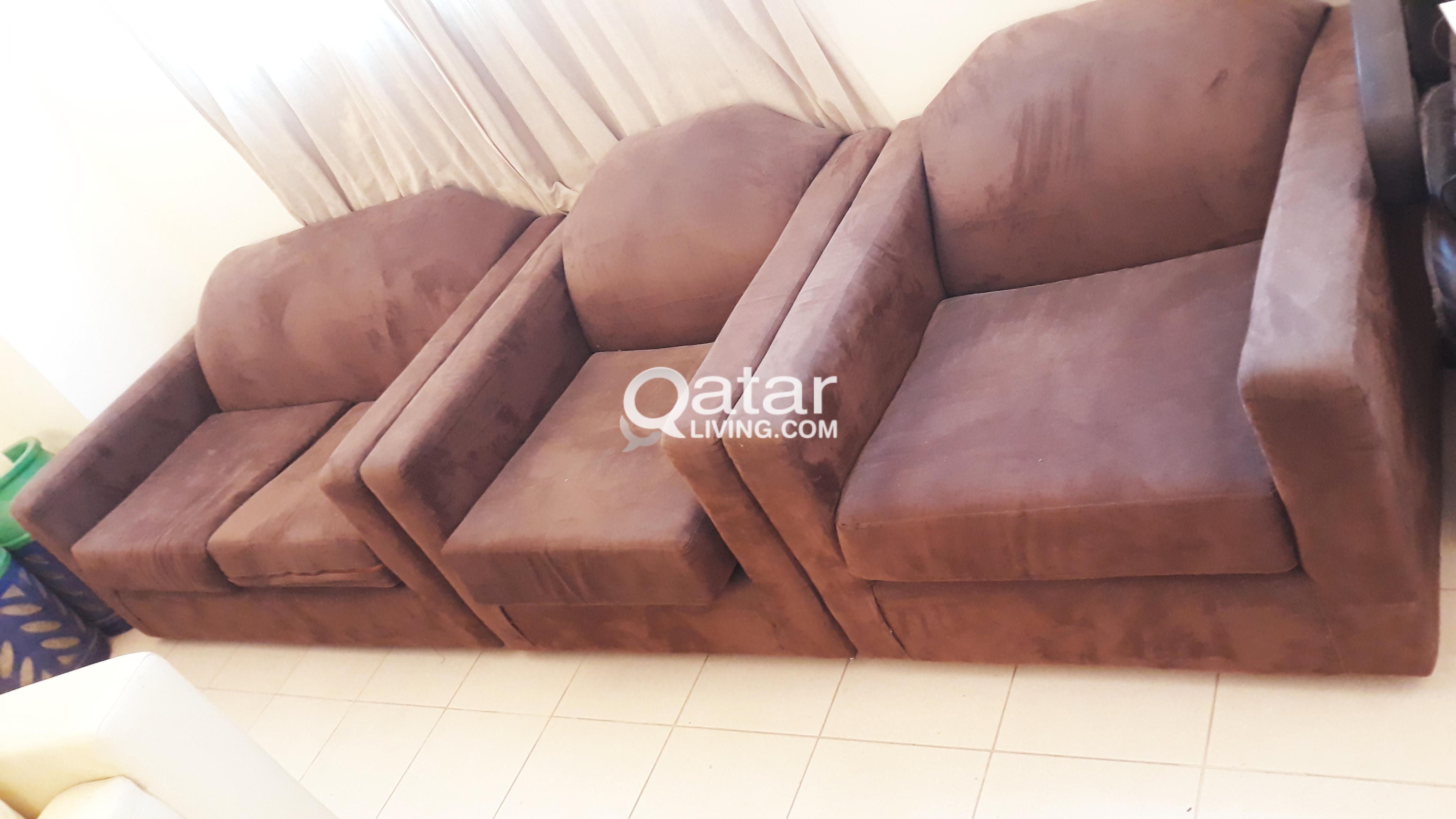 4 seater sofa for sale @ 400 QAR | Qatar Living