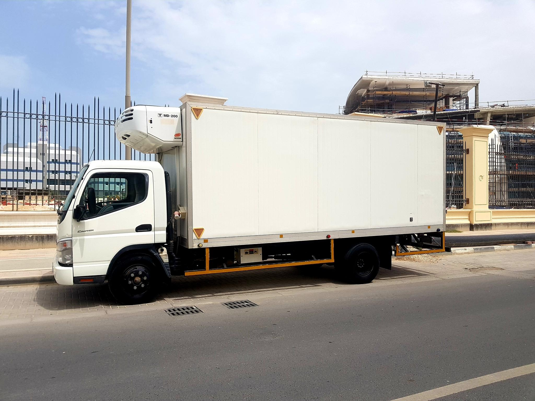 5 Ton freezer for Rent with tail lift