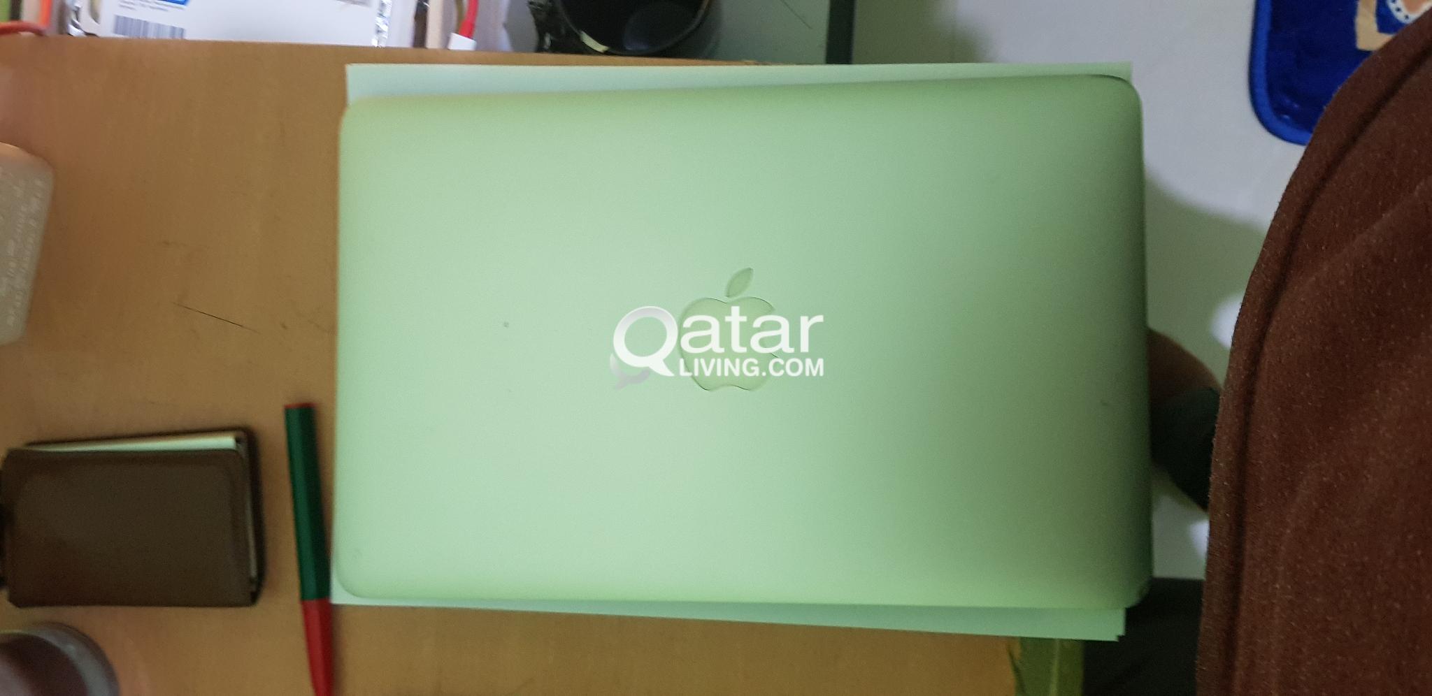 apple laptop i5 4gb ram 128gb hard disc